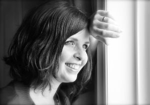 EMBRACE YOUR LIFE COACHING kelly maclellan AT WINDOW 300x209